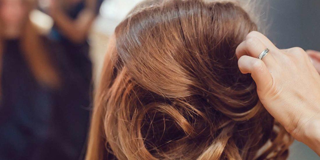 Haare über Kopf Schneiden